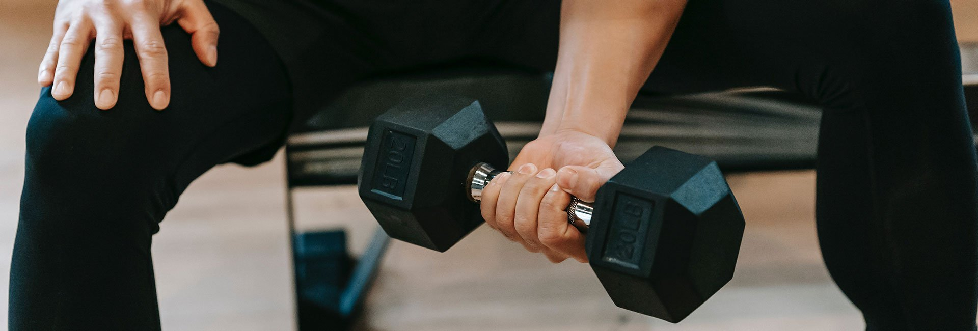 EXERCISES WITH DUMBBELLS AND A BENCH